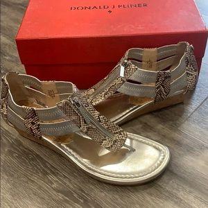 Donald J Pliner Silver Metalic Sandal size 7.5